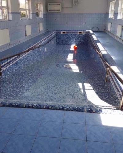 Swimming pool Zaluchie